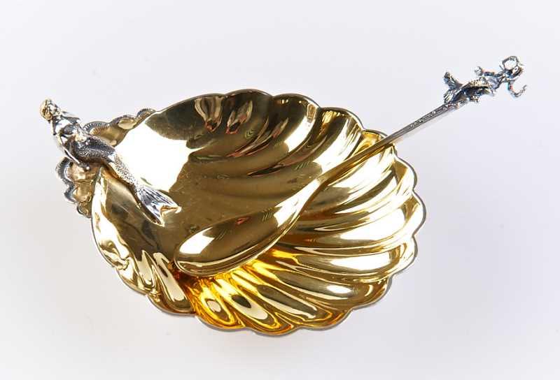 Столовое серебро, серебряная посуда для новогоднего праздника