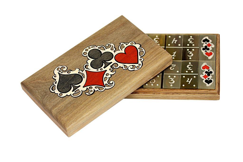 Необычные подарки с карточной символикой